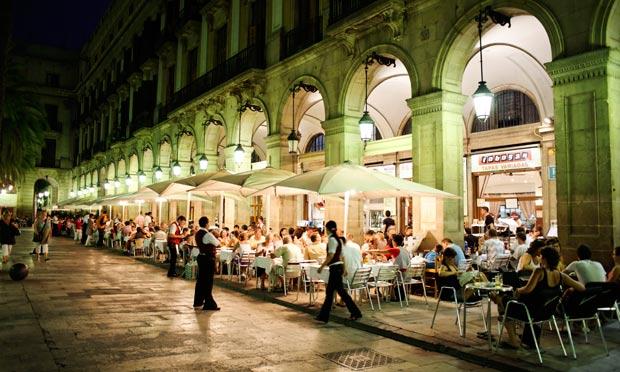 Bares en la Plaça Reial de Barcelona