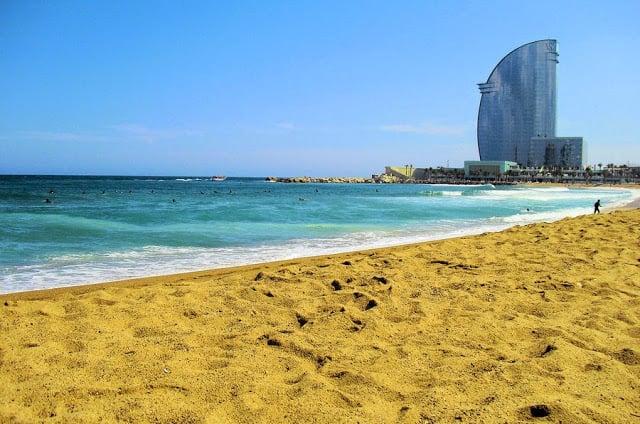Playa de la Barceloneta en Barcelona