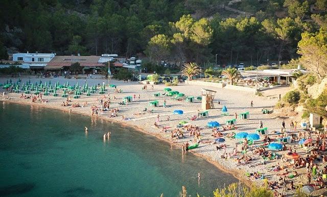 Playa Cala Benirras en Ibiza