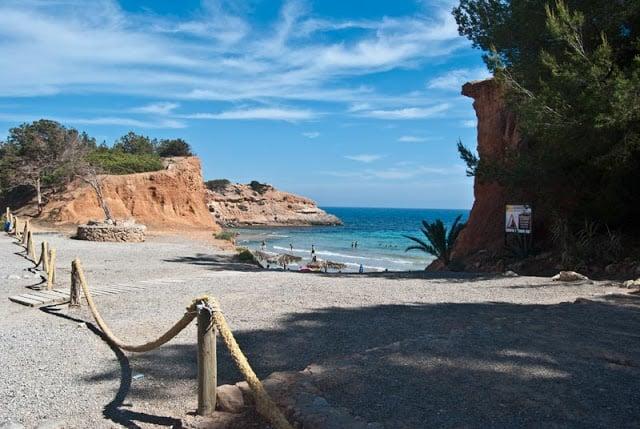 Playa Cala Sa Caleta en Ibiza