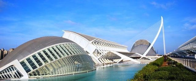 Paseo en la Ciudad de Artes y Ciencia de Valencia