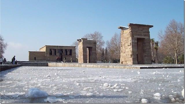Clima de Madrid en Invierno - Templo de Debod con nieve