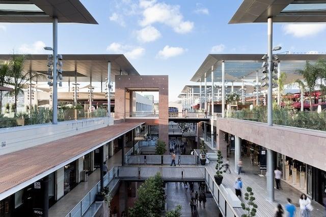 Centro Comercial La Maquinista en Barcelona