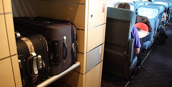 Lugar para colocar el equipaje en el tren