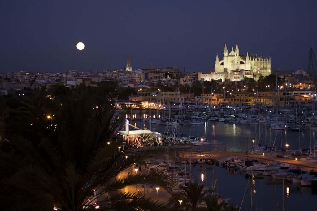 Palma de Mallorca en la noche