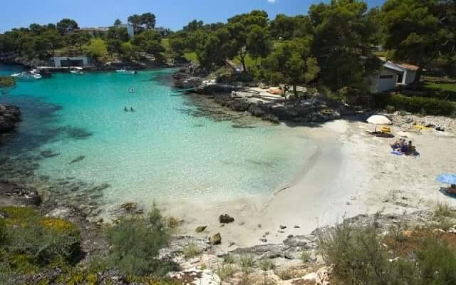 Cala Mitjaa en Menorca