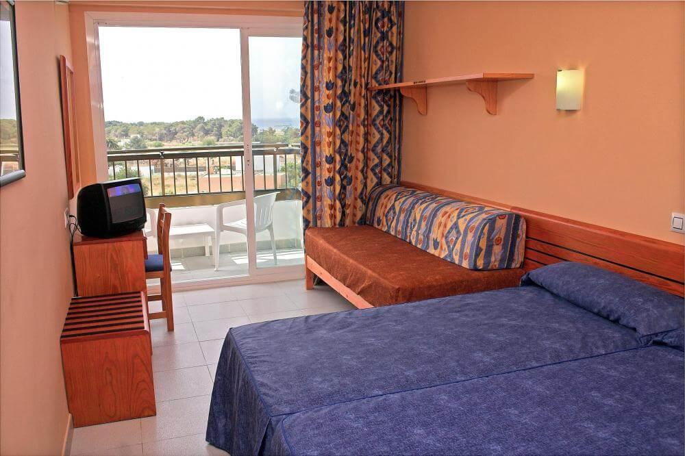 Hotel Caribe en Ibiza - habitación