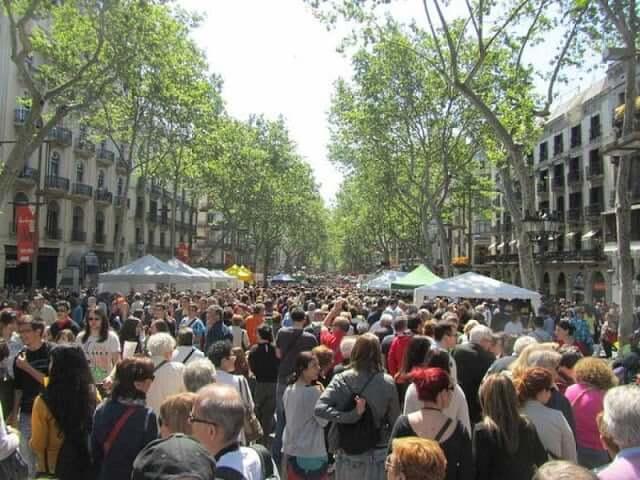 Multitudes en Barcelona -Las Ramblas