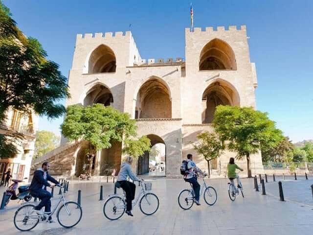 Paseo de bicicleta por Valencia