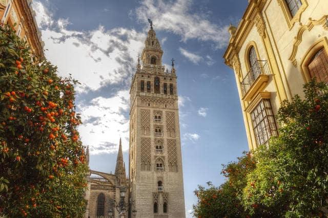 Paseo por el centro histórico de Sevilla - Torre del Oro