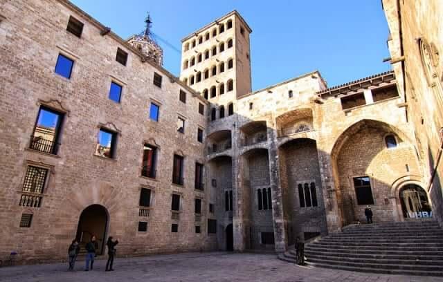 Conjunto Monumental de la Plaza del Rey