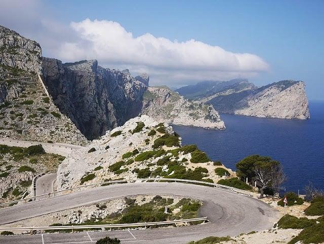 Vista de la carretera hasta el Cap de Formentor