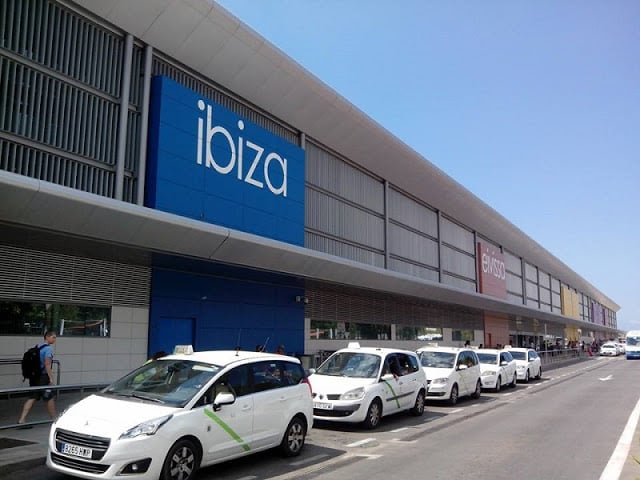 En taxi al centro de Ibiza