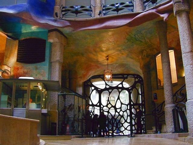 Entrada Casa Milá en Barcelona