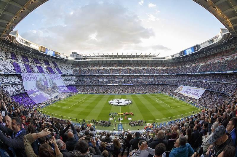 Partido en el Santiago Bernabéu - Madrid