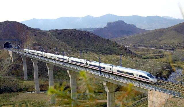 Viaje en tren desde Barcelona a París