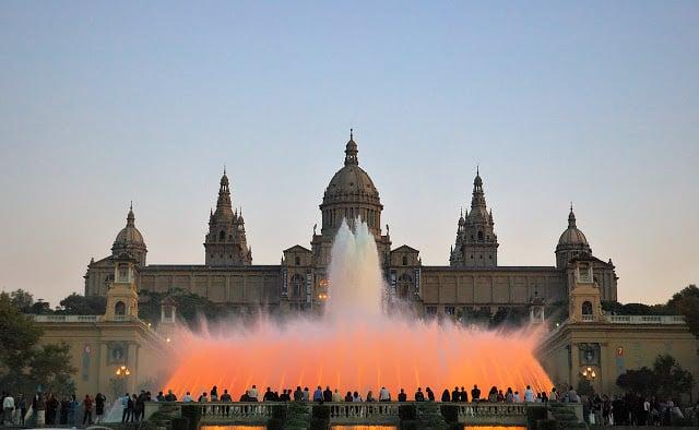 El espectáculo de la Fuente de Montjuïc en Barcelona
