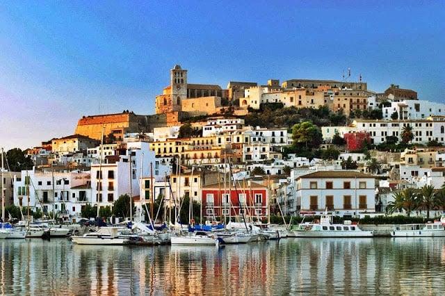 Zona horaria en Ibiza