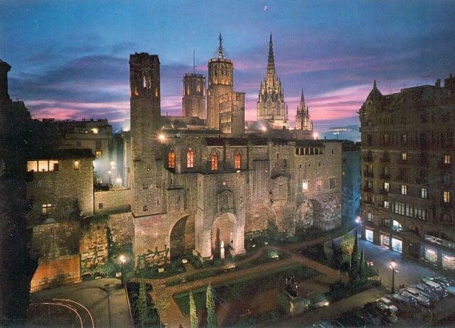 10 casas nocturnas y música en vivo en el Barrio Gótico de Barcelona