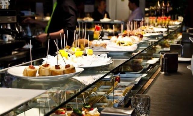 10 restaurantes y bares de tapas en el Barrio Gótico de Barcelona